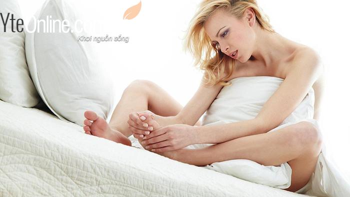 Phụ nữ mang thai tuyệt đối không ngâm chân tránh phù nề