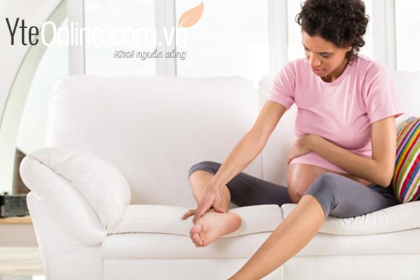 Phụ nữ mang thai không nên ngâm chân