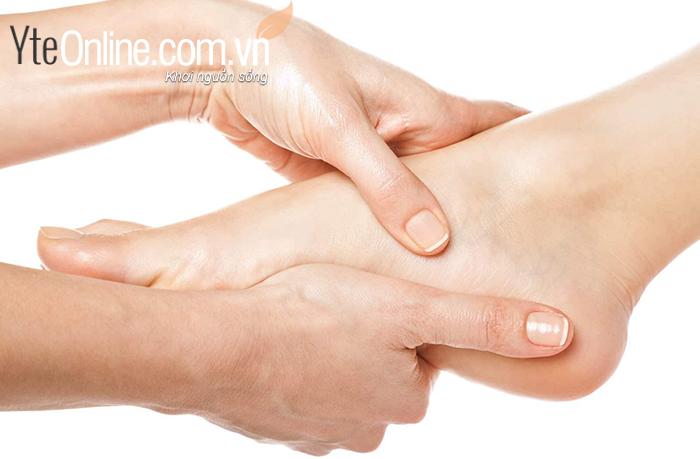 Người có da dầu cơ thể toát ra nhiều mồ hôi hơn bình thường