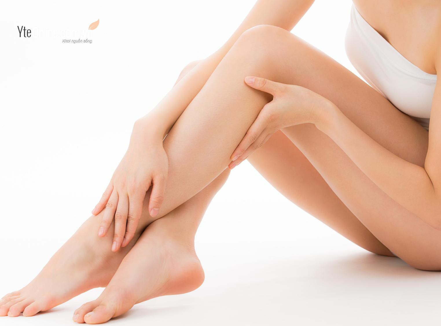 Ngâm chân có giúp giảm mỡ bắp chân không?