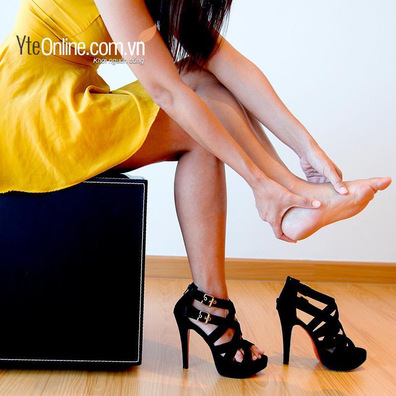 Làm cách nào để tránh bị đau chân khi đi giày cao gót